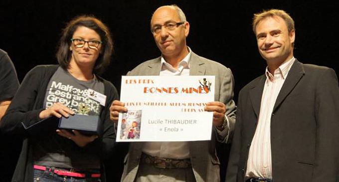 Lucile Thibaudier reçoit le prix jeunesse au festival BDécines pour le tome 1 d'Enola !
