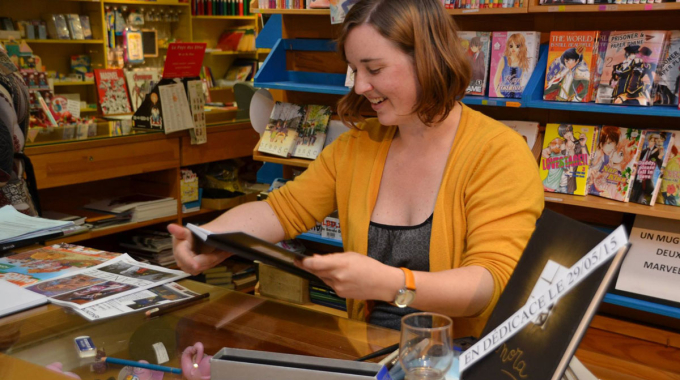 Succès de la séance de dédicace de Léa Mazé le 29 mai à la librairie Bulles et Crayons !